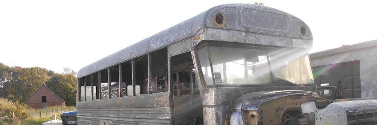 Trockeneisstrahlen bei US School Bus