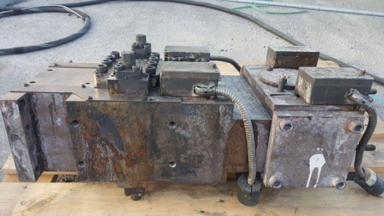 Anwendungsbeispiele Trockeneisstrahlen einer Kunststoffeinspritzanlage Vorher Bild 2