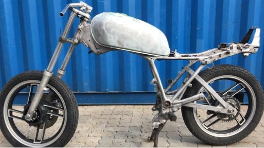 Mit Trockeneisstrahlen Lack vom Motorrad entfernen - Nachher
