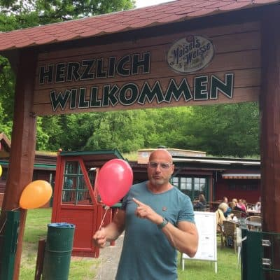Waldcafe Corell Luftballons mit Helium füllen
