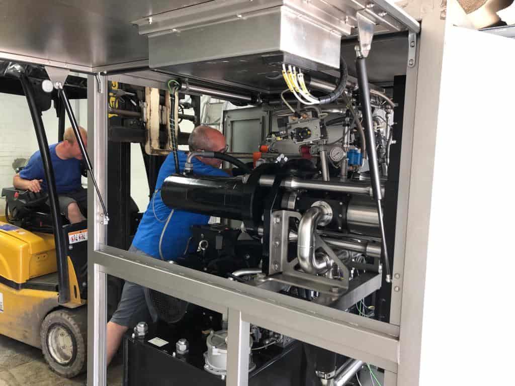 Anschluss der Trockeneis Produktionsmaschine